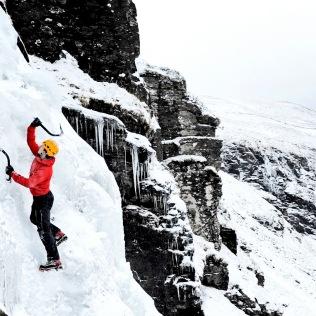 ice-climbing-scotland-sean-bell